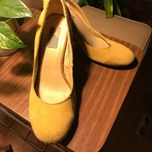 ✨vintage✨ Yellow Suede Heels